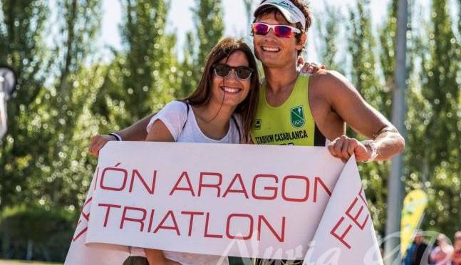 Juan Mina y Ana Revilla campeones de Aragón de Triatlón Olímpico 2015