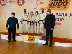 sergio-10-04-21-podium-2